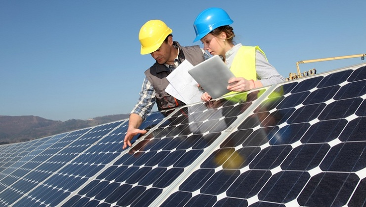 There will be More New Jobs in Solar than Oil by the End of the Year