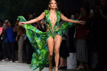 Jennifer Lopez catwalking with her Versace Grammy Dress